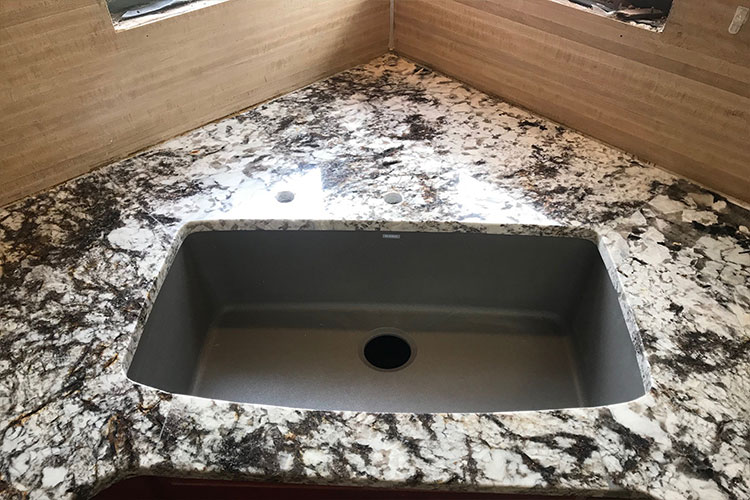 Custom Kitchen Countertop & Sink